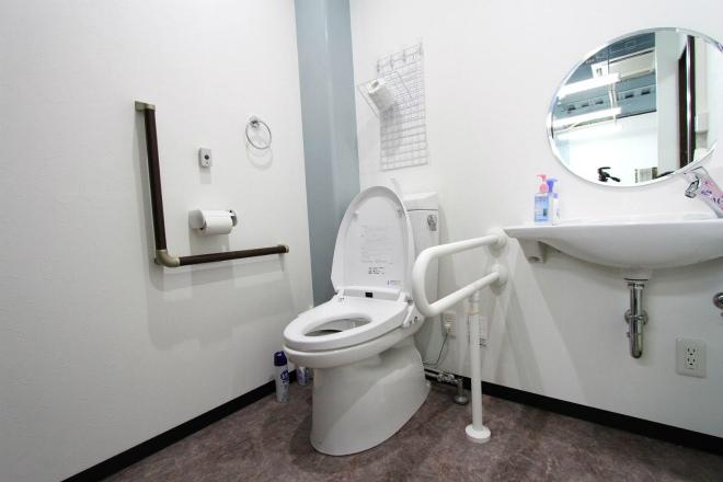 デイサービスひなぎく トイレ.jpg